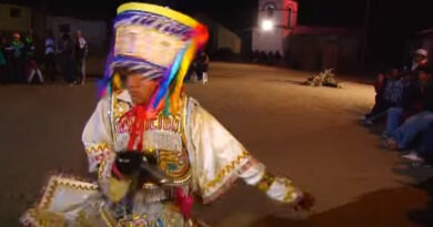 REPORTAJE A CHIHUIRE - FIESTA DEL AGUA EN AYACUCHO